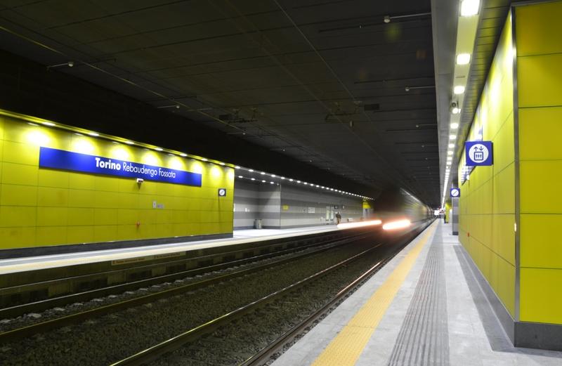 La partenza del treno dalla Stazione Rebaudengo Fossata, 2014