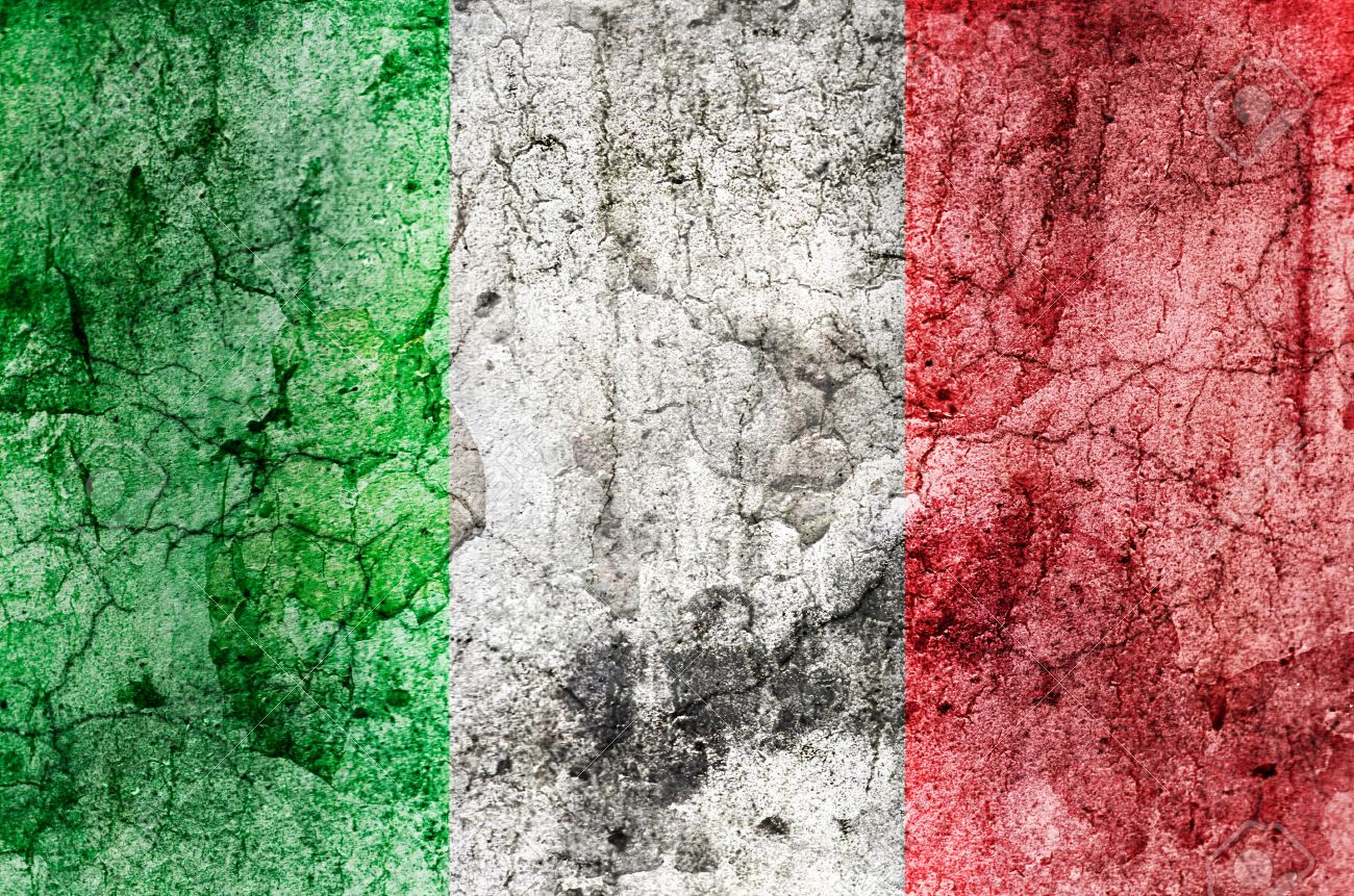 13836208-Italian-Flag-Grunge--Stock-Photo